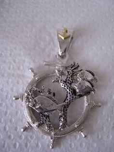 Mira este artículo en mi tienda de Etsy: https://www.etsy.com/listing/161264629/fish-coral-diamond-18k-solid-gold