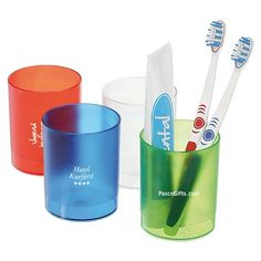 Frosyy transparante beker voor tandenborstels. http://www.pascogifts.com/nl/promotiemateriaal/promotieartikelen/glazen-bedrukken/tandenborstel-beker