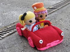 Alice and Hatter drivin... | Of course this car cannot belon… | Flickr