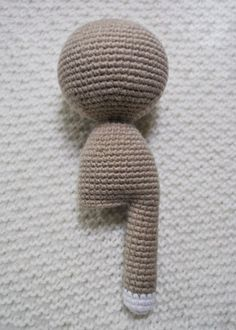 Lady cat amigurumi pattern - legs