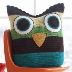 "Crochet Owl Pillow from the book ""Little Crochet"" Crochet Owl Pillows, Crochet Cushion Cover, Crochet Pillow Pattern, Crochet Owls, Crochet Home, Crochet For Kids, Crochet Crafts, Crochet Baby, Crochet Projects"