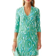 Lily Pulitzer green pattern shift dress Lily Pulitzer deep V neck, green pattern shift dress. Brand new! Gorgeous cut for flattering hourglass shape. Size XS. Lilly Pulitzer Dresses