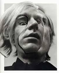 Here's an instance of photography surmounting painting: saying something no painting could. Portrait of Andy Warhol by Arnold Newman. Andy Warhol Pop Art, Still Life Images, Environmental Portraits, Rocker, Wow Art, Famous Artists, Portrait Photography, Andy Warhol Photography, Selfie