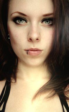 Thema: Piercings