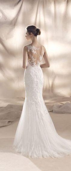 gefunden bei HAPPY BRAUTMODEN         Brautkleid Hochzeitskleid edel elegant romantisch spanisch White One WhiteOne Pronovias fließender Rock Spitze tiefer Rücken
