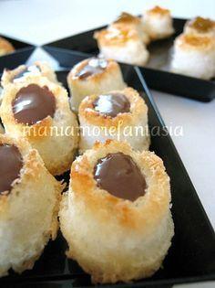 "Gluten free coconut ""cupcakes"" (in Italian)"
