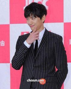 (1) sung jun - Twitter Search Asian Men, Korean Actors, Jun, Bangs, Singing, Kpop, Twitter, Search, Potato