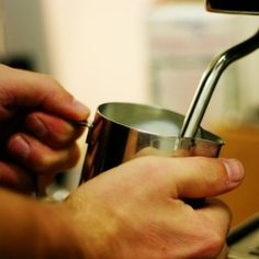 A great article for newbies wanting to froth latte-worthy milk