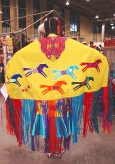 ladies fancy shawl outfits fancy shawl dancers are the women s ...