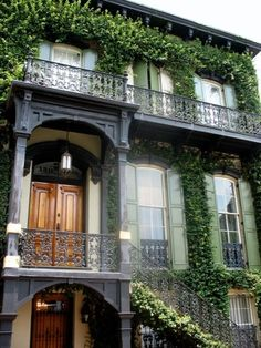 beautiful house in Savannah