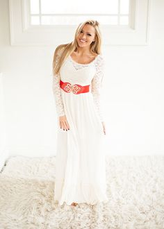 Laced in a Dream Maxi Cream CLEARANCE - Modern Vintage Boutique