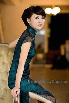自已設計款式的羅小姐 照片真是美.高貴 - 榮一唐裝(褀)旗袍(中国服とチャイナドレス專門店) - Yahoo!奇摩部落格