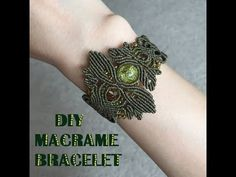 Jewelry care: how to clean your expensive jewelry Macrame Knots, Macrame Jewelry, Macrame Bracelets, Bohemian Jewelry, Diy Jewelry, Loom Bracelets, Friendship Bracelets, Macrame Owl, Gold Jewelry