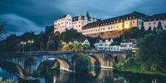 Schloss und Schlossgarten Weilburg an der Lahn Mansions, House Styles, Hessen, Places, Mansion Houses, Manor Houses, Fancy Houses, Palaces, Villas