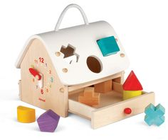 Janod is a European brand of toys. This goodie is a wooden shapes sorter toy perfect for birthday gifts, Baptism presents or first Christmas present. Toddler Toys, Baby Toys, Kids Toys, Toddler Gifts, Baby Play, Baby Gifts, Inspirations Boards, Natural Toys, Activity Toys