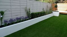 contemporary garden design The best garden fence ideas can bring structure, texture, definition, and excitement to your outer space. After a long winter, its very nice to get Small Garden Fence, Back Garden Design, Modern Garden Design, Contemporary Garden, Garden Fencing, Raised Garden Beds, Raised Beds, Pond Design, Garden Pond