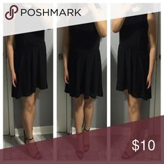 H&M DRESS (DIVIDED) -    H&M DRESS (DIVIDED) -    IN THE COLOR BLACK -  PETER PAN COLLAR - STRETCHES AT THE WAIST LINE  -    LIKE NEW, WORN 2X -    I STAND AT 5'2  -    PRICE IS FIRM -    SIZE 6 H&M Dresses Mini