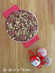 Los Dulces de Victoria: Ferrero Rocher Cheesecake o Tarta de Queso de Ferr... Ferrero Rocher Cheesecake, Cupcakes, Cheesecakes, Victoria, Breakfast, Food, Fondant Cakes, Cheesecake, Sweets