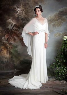 If you're on the hunt for a vintage gown, a style flapper wedding dress but something new then you need to see the Eliza Jane Howell Debutante collection Art Deco Wedding Dress, Vintage Inspired Wedding Dresses, 1920s Wedding, Vintage Dresses, Wedding Blog, Elegant Wedding, Vintage Prom, Vintage Weddings, Wedding Vintage