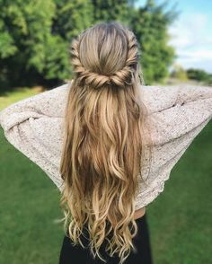 Twists and curls half up half down hairstyle,easy half up half down hairstyles,boho hairstyles,easy hairstyle do it yourself at home,simple hairstyles for long hair,easy hairstyles for school