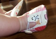 Baby shoes sewing pattern.
