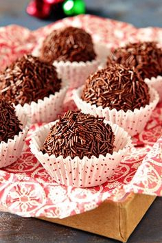Serve these Peppermint Mocha Chocolate Kahlua Truffles as a part of your pre-dessert petit fours!