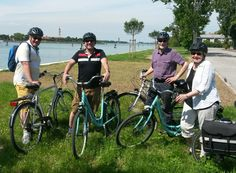 Happy birthday to Anne and thank you for choosing Cycling Venice Lagoon experience to celebrate your birthday. Thanks also to Peter (a Londoner artist), and David and Ian from Sidney/London. @Cyclecities