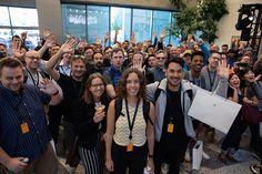 Phát hiện ứng dụng độc hại có hơn 10 triệu lượt tải về trên Android, gỡ ngay kẻo trễ ✅ QUEEN MOBILE ⭐⭐⭐⭐⭐ Find Your Phone, June 3rd, 30th Anniversary, Convention Centre, San Jose, Machine Learning, Mind Blown, Queens, Android