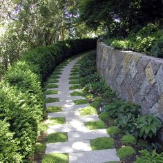 19 Stunning Garden Pathways That You Can Make On Your Own | Homesthetics - Inspiring ideas for your home.