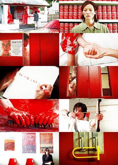 En los suburbios — We Need to Talk About Kevinin red