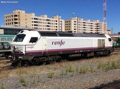 Locomotora 334.010 de Renfe Operadora