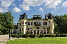 Chateaux Betliar by Ren Kuljovska Camera Art, My Photos, Fine Art Prints, Instagram Images, Castle, Mansions, Park, House Styles, Manor Houses