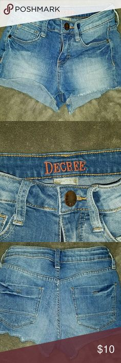 """Womens Juniors Decree Jean Cut-off Shorts Size 0 Size 0 Factory fray Excellent condition!  Measurements taken with garment laying flat and are approximate  Waist 11"""" Inseam 1.75"""" Outseam 9.5"""" Front rise 5"""" Back rise 13"""" Hips 14.5""""  *Item is used Decree Shorts Jean Shorts"""