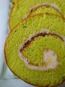 Bolu Gulung and Cake pandan lapis Selai Kaya Dessert Pasta, Pie Dessert, Dessert Recipes, Desserts, Bolu Cake, Swiss Roll Cakes, Malaysian Dessert, Pandan Cake, Cake Roll Recipes