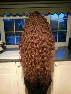 Post with 61643 views. Thick Curly Hair, Curls For Long Hair, Super Long Hair, Big Hair, Curly Hair Styles, Natural Hair Styles, Beautiful Long Hair, Amazing Hair, Long Hair Models