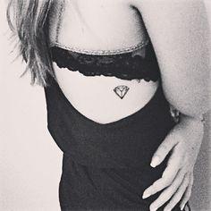I can't help it..... I love the little diamond tattoo. Sad but true