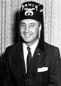 """Virgil """"Gus"""" Grissom - a Shriner. """"Gus"""" Grissom was connected to """"Spacekid"""" Barack Obama when the White House released a photo of Obama and his """"grandfather"""" at the beach. """"Grandfather"""" turned out to be NASA astronaut """"Gus"""" Grissom. NASA is notorious for mind control programming, and astronauts themselves are subjected to MK Ultra techniques."""