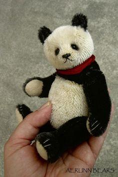 Mulan Panda Style Artist Bear PDF Pattern by par aerlinnbears