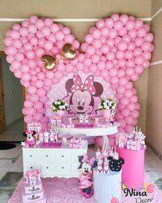 Lindíssima festa no tema Minnie Rosa! 1st Birthday Cake For Girls, Minnie Mouse Birthday Decorations, Minnie Mouse Theme Party, Minnie Mouse First Birthday, 2nd Birthday Party Themes, Minnie Mouse Pink, Minnie Mouse Birthday Invitations, Disney Parties, Baby Shower Niño