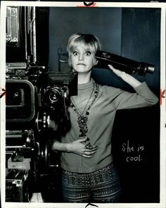 Goldie Hawn on the set of Catus Flower, 1969. I love this actress and this is a TERRIFIC movie as well!
