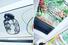 Una de las actividades que repetiremos en esta edición de Wallpeople Las Palmas 2016 es la de la exposición itinerante dentro de Guaguas Municipales que tanto éxito tuvo el año pasado. Contamos con las obras de Elena Ardanaz y Señorgusano. Este año como novedad vamos a contar con la obra de una de las artistas más representativas a nivel nacional e internacional del street art o arte callejero. Quieres saber quién es? Estáte atent@ te iremos dando pistas…