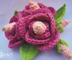 Brooch-with-flowers-of-crochê3