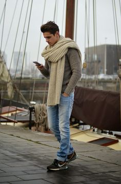 I want this scarf. Now.