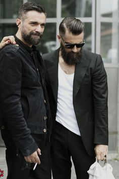 Check Out Hipster Haircut For Men Usually it is a variation of an older haircut from the or a hairstyle borrowed from an ancient culture. Check out these 30 hipster haircut for men 2015 and hairstyles we've picked out for you. Hipster Bart, Estilo Hipster, Hipster Stil, Hipster Men Style, Hipster Mode, Hipster Guys, Hipster Haircuts For Men, Hipster Hairstyles, Fashion Hairstyles