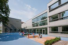 Schoolyard (Photo: Hertha Hurnaus)