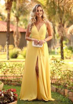 vestido amarelo longo com fenda
