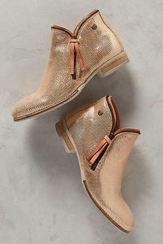 Coqueterra Metallic Rose Gold Booties