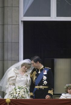 July Prince Charles marries Lady Diana Spencer in Saint Paul's Cathedral. Prince Charles Wedding, Charles And Diana Wedding, Princess Diana Wedding, Prince Charles And Diana, Prince And Princess, Royal Brides, Royal Weddings, Diana Memorial, Princess Diana Pictures