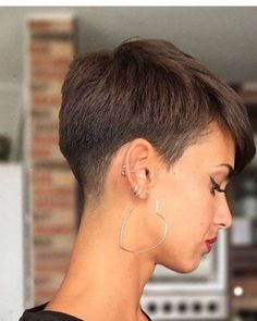 Suzi Hair 50 Latest Short Haircuts for Women 50 Latest Short Haircuts for Women 2019 Short Pixie Haircut for Brown Hair pixie. Haircut For Older Women, Short Hair Cuts For Women, Girl Short Hair, Short Hairstyles For Women, Super Short Pixie Cuts, Latest Short Haircuts, Cute Short Haircuts, Girl Haircuts, Haircut Short
