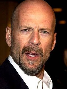 Looking for best beard styles for bald guys or men with shaved head? Goatee, Stubble, Full beard or Mustache look good on men with bald heads. Bald Head With Beard, Bald Men With Beards, Bald Man, Beard Bald, Bruce Willis, Cool Haircuts, Haircuts For Men, Bald Men Style, Celebridades Fashion